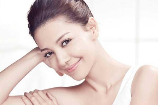TT Thời Trang sua-tam-duong-the-600x400 Kem dưỡng trắng da vitamin E1000 (11g) Cô Lan Bác sĩ Khuông